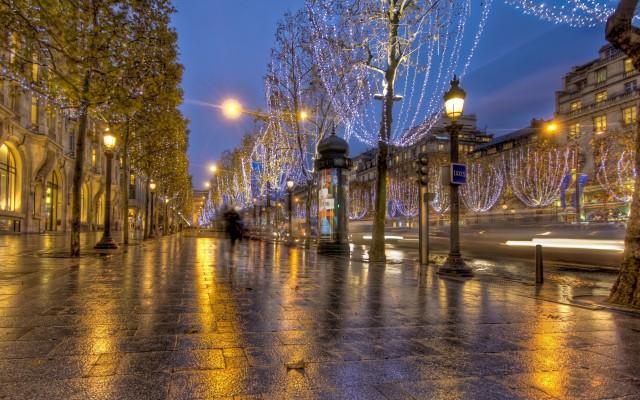 Beautiful-boulevard-from-Paris