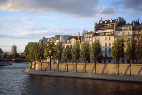ParisIleStLouis01