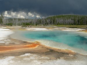 Yellowstone_Grand_Prismatic_Spring_p1110210